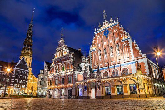 Riga Рига - Ратушна площа і Дім Червоноголових